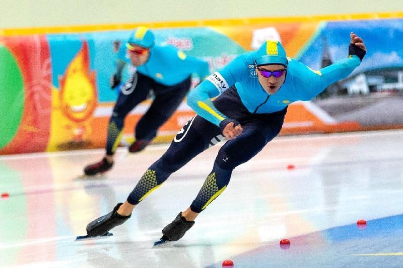 Кубок мира в Японии: казахстанские конькобежцы стали седьмыми в спринте