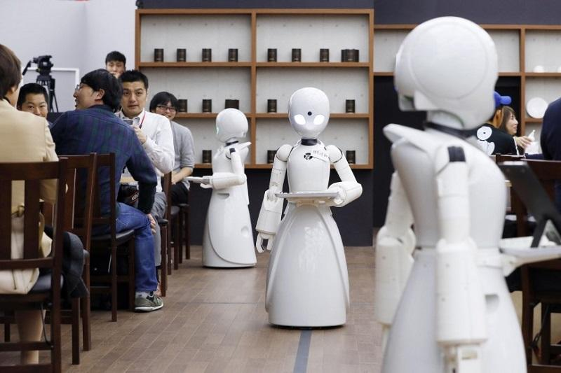 Cafe with robot waiters opens in Tokyo