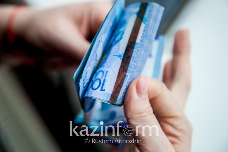 2,1 трлн тенге находилось в наличном обращении в Казахстане в октябре