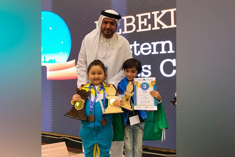 В Казахстане появился еще один шахматный вундеркинд - шестилетняя Бибисара Абылайкызы