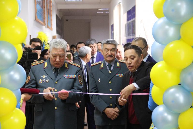 В Казахстане начнут обучать военных журналистов