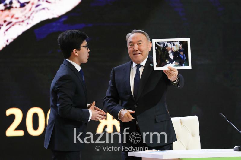 Верно служить Родине пообещал Абылай Сатылхан, которому 17 лет назад перерезал путы Президент РК