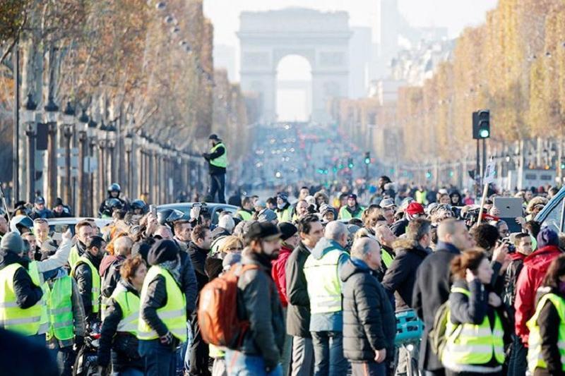 Более 120 участников «топливных протестов» задержаны в Париже