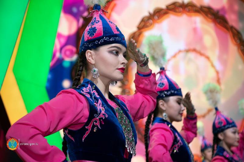 Астанада Тұңғыш Президент күніне орай мерекелік концерт өтіп жатыр