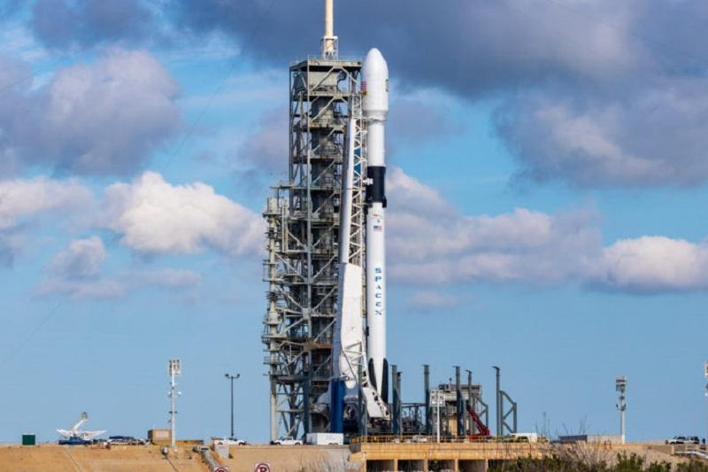 Два казахстанских спутника будут запущены в уникальном кластерном запуске Space X