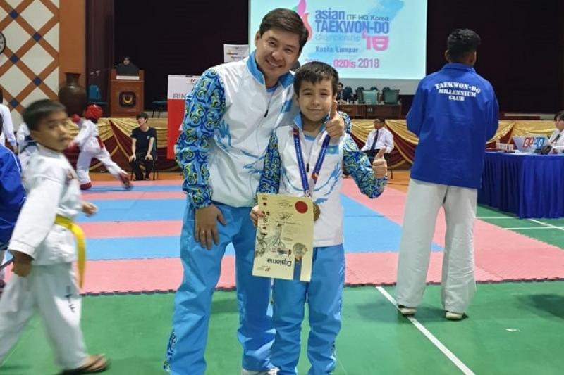 8-летний казахстанец стал абсолютным чемпионом мира по таэквондо