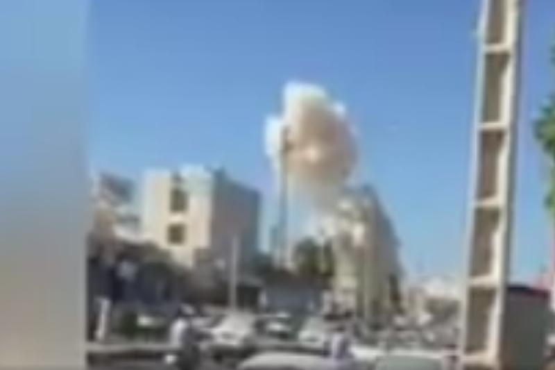 Ирандағы әскери базадағы жарылыс: Оқ дауыстары естіліп жатыр