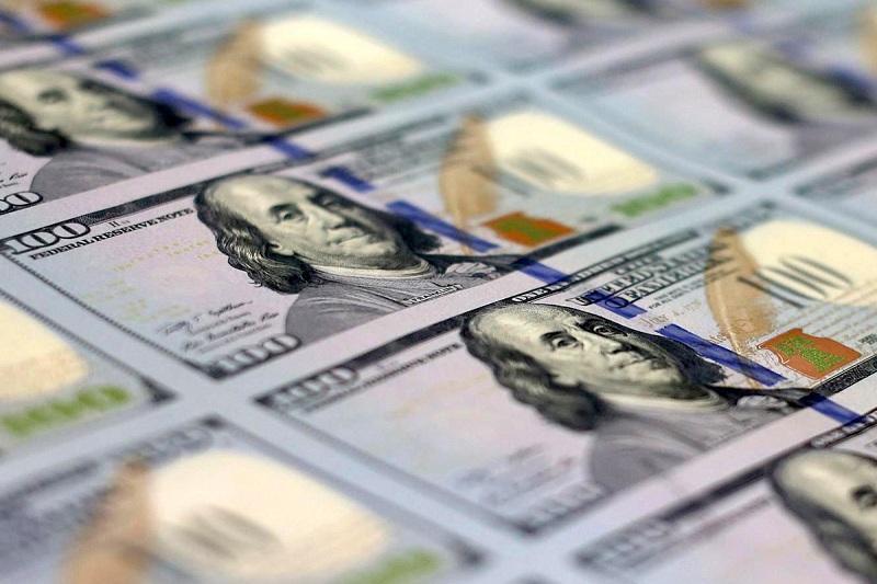 Қаңғыбас адам көшеден тауып алған 17 мың долларды қайырымдылық ұйымына берген