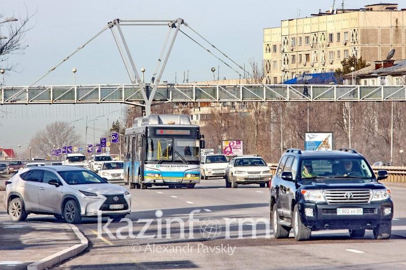 Скорость передвижения авто до 60 км в час ограничат на проспекте аль-Фараби в Алматы