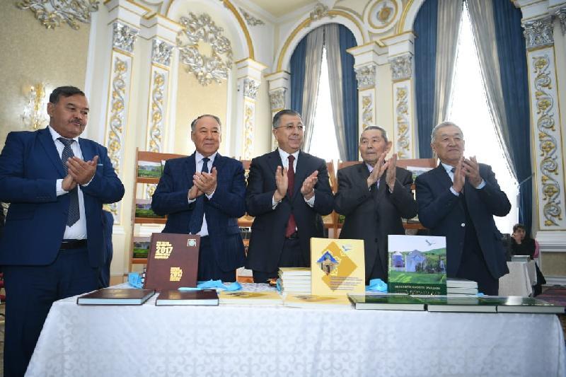 В Туркестане презентовали две книги, в рамках программы «Рухани жаңғыру»