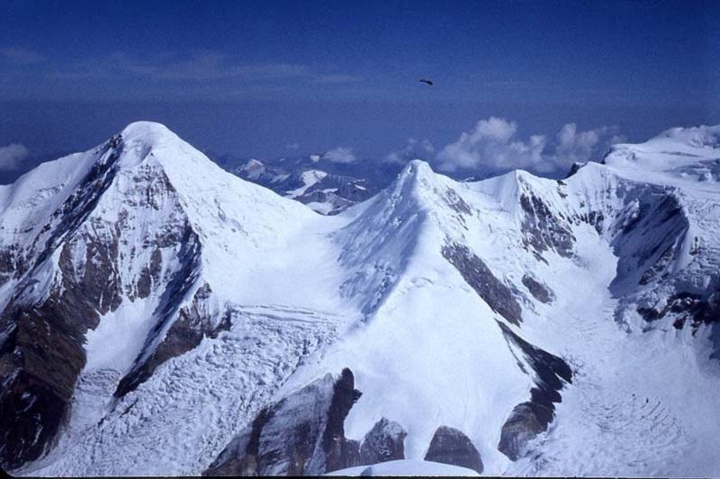 Teens to mount Kazakhstan's flag on Karlytau peak