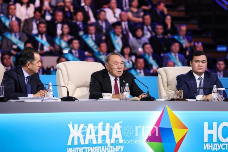 Главу государства ознакомили с результатами программы «Цифровой Казахстан»