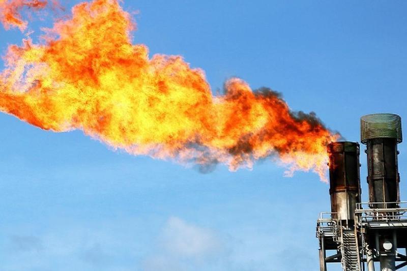 Завод по переработке попутного нефтяного газа заработал в Актюбинской области