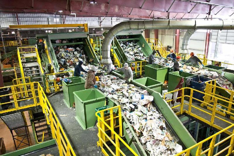 Нурсултан Назарбаев запустил мусороперерабатывающий завод в Алматы