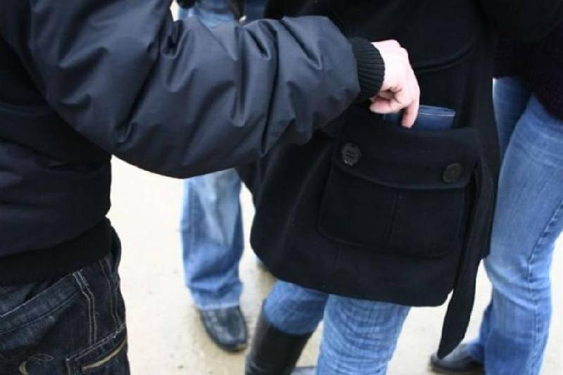 От краж в общественных местах предостерегает полиция Павлодара
