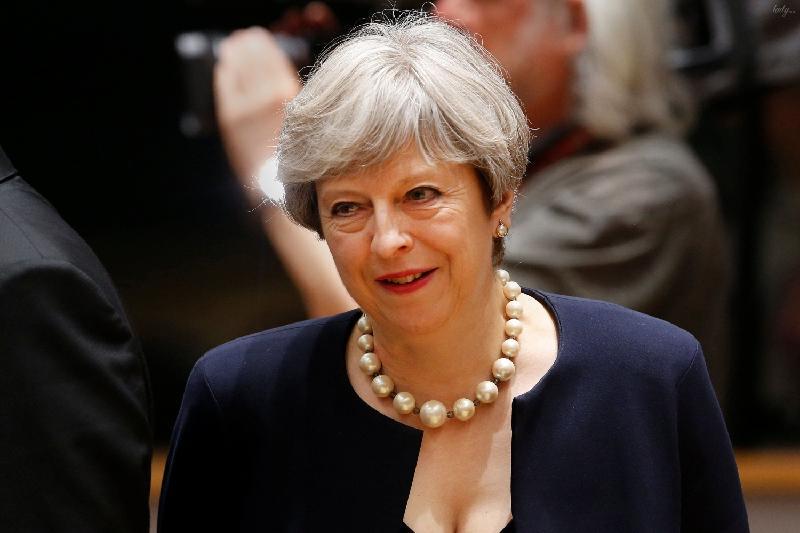 Тереза Мэй остается премьером Британии
