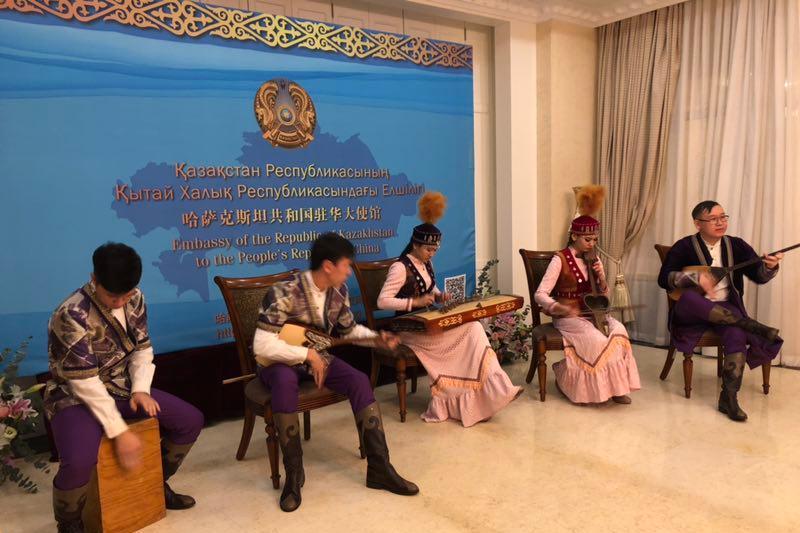庆祝哈萨克斯坦独立日画展在京举行