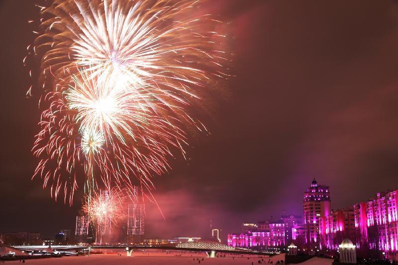 独立日庆祝活动以烟花表演圆满结束
