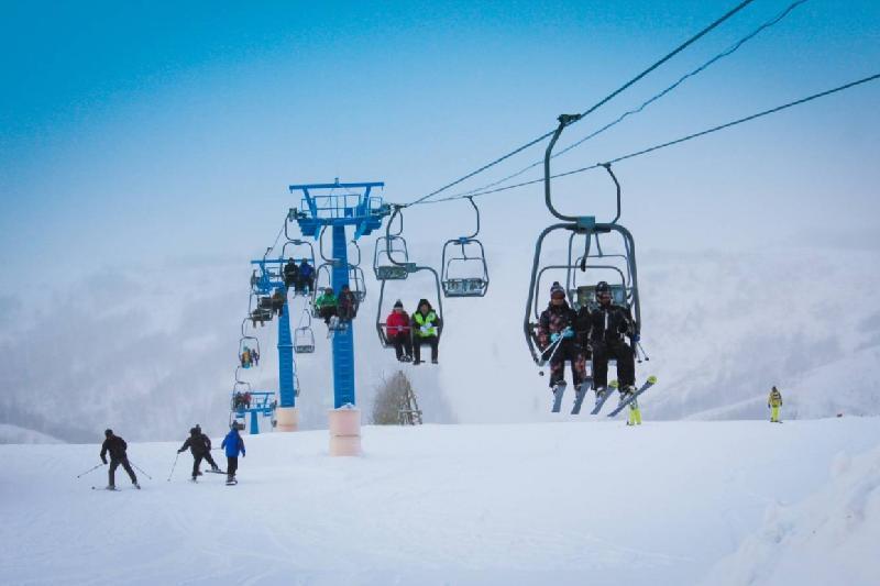 На горнолыжных курортах Восточного Казахстана открылся зимний сезон
