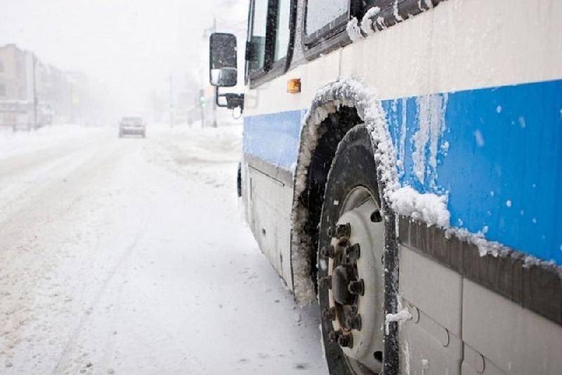 53 пассажира были эвакуированы из автобуса на трассе в Акмолинской области