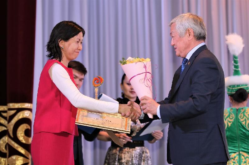 哈通社获阿克托别州州长感谢信 表彰其在反腐领域的贡献