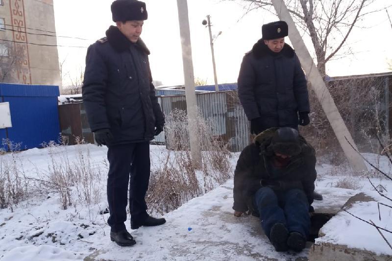 Акмолинские полицейские помогают бездомным в холода