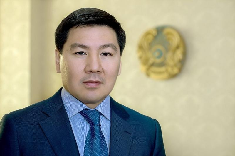 阿斯哈尔•朱马哈利耶夫会见俄罗斯宇航空间活动国有公司总裁