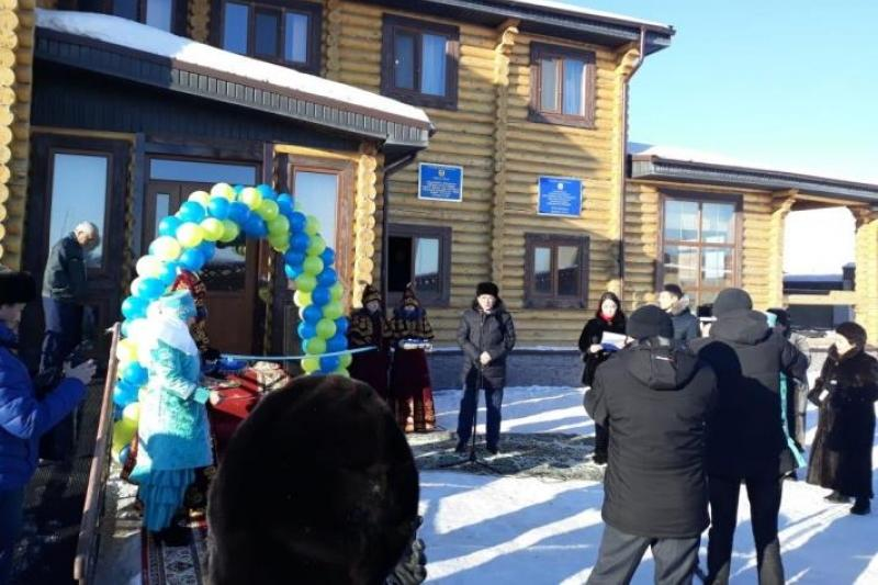 Мебельный цех и сельский клуб открыли в пристоличном районе
