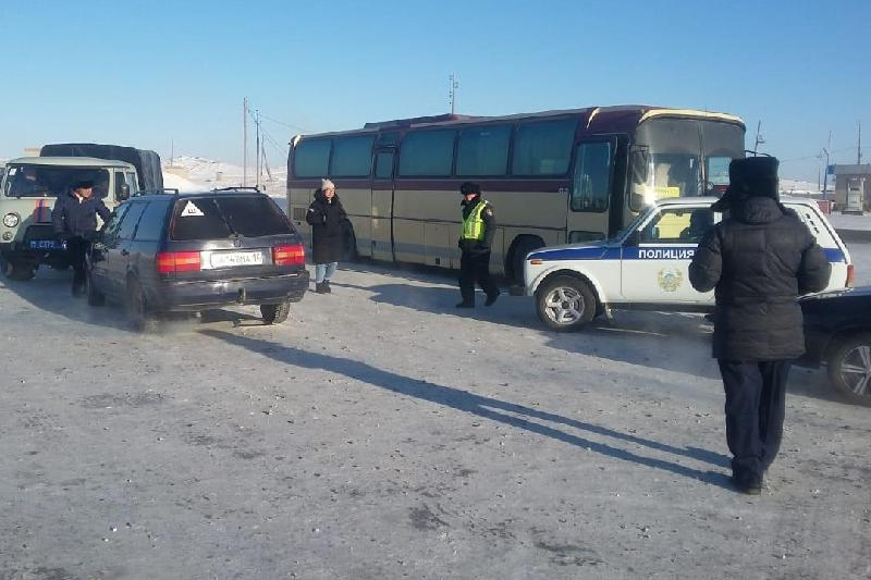 12 people rescued in Pavlodar region after bus breaks down in extreme cold weather
