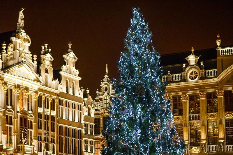 Юрта и герои комиксов: Брюссель накануне Нового года