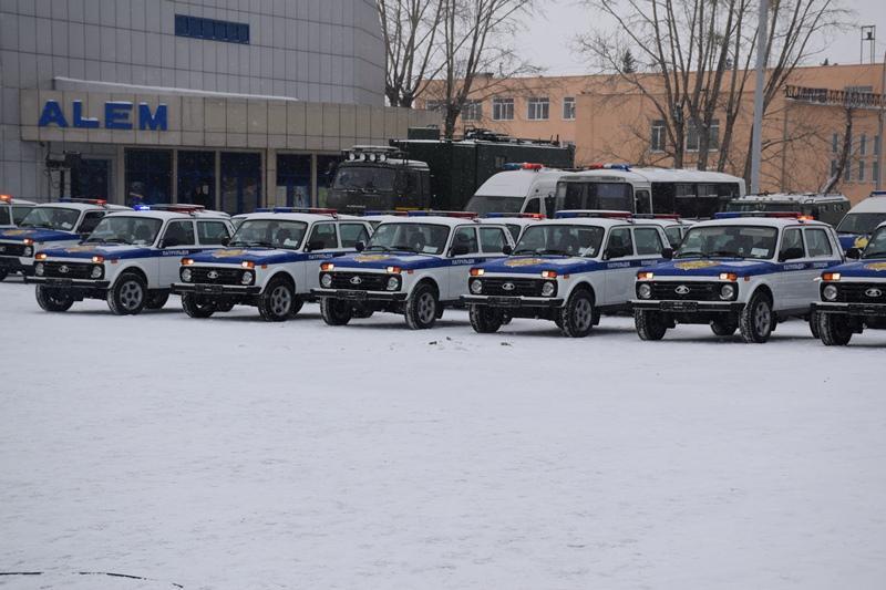 20 новых автомашин вручили акмолинским полицейским