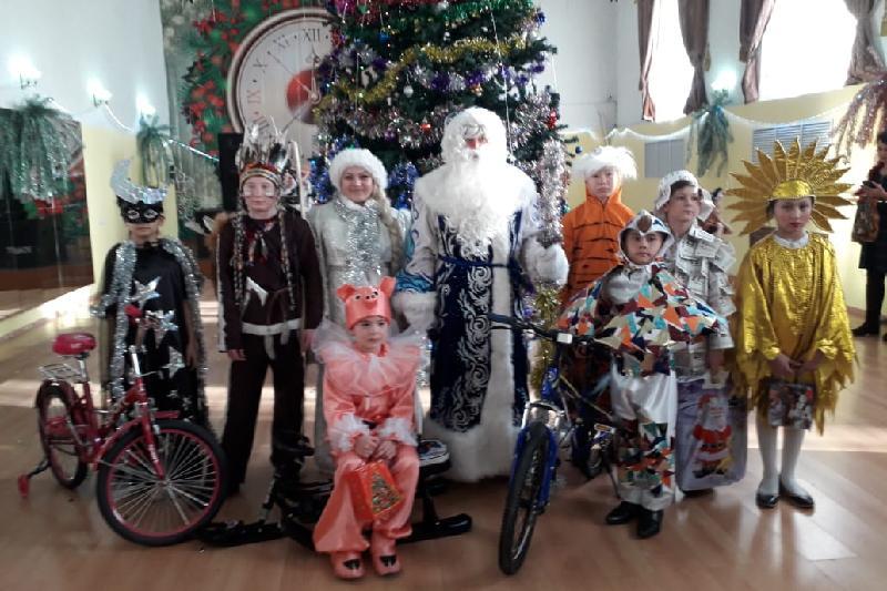 Акмолинский школьник получил велосипед за новогодний костюм «Рухани жаңғыру»