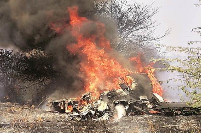 Самолет потерпел крушение в Индии, есть погибшие