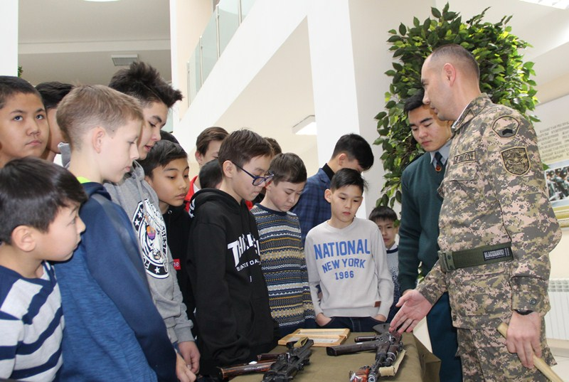 Дети военных посетили республиканскую школу  «Жас улан»