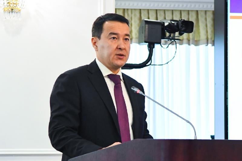 Анализ всех госпрограмм проведут в Казахстане - Алихан Смаилов