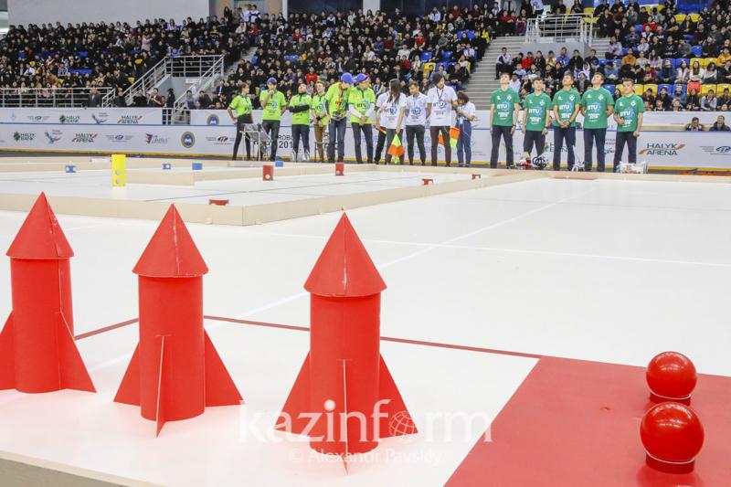 Первый чемпионат Казахстана по робототехнике стартовал в Алматы