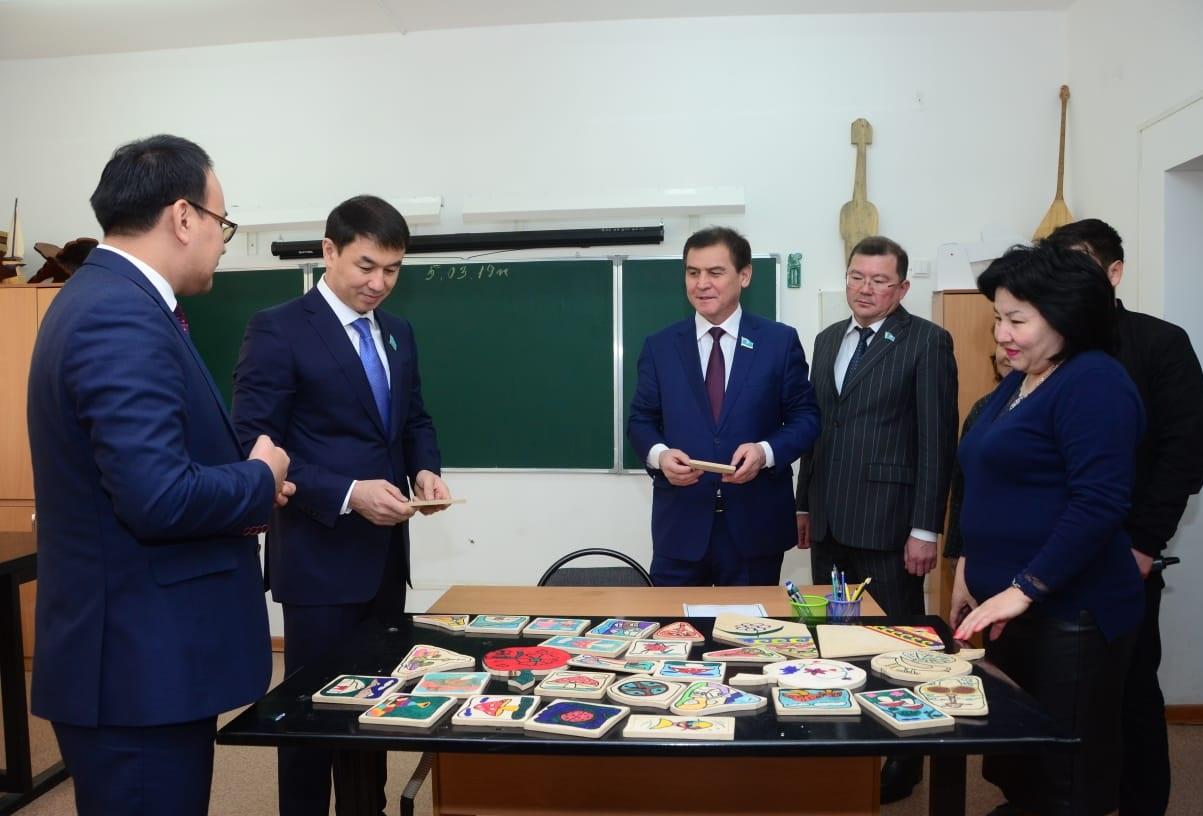 Сенат депутаттары Шымкентте жүр