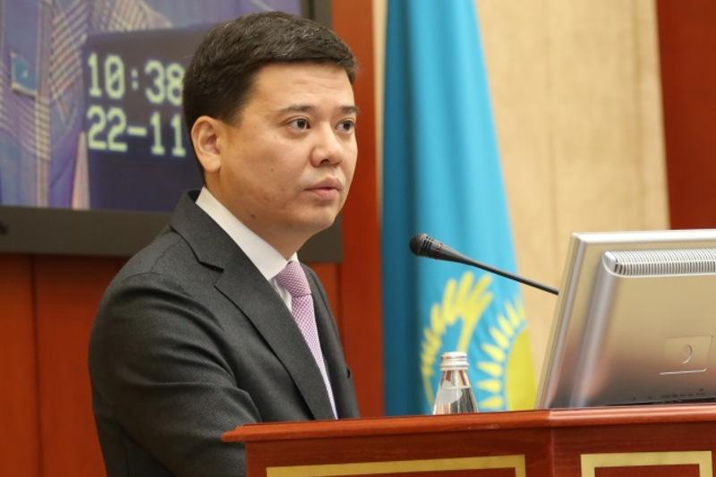 Документы менять не надо - Минюст о переименовании столицы