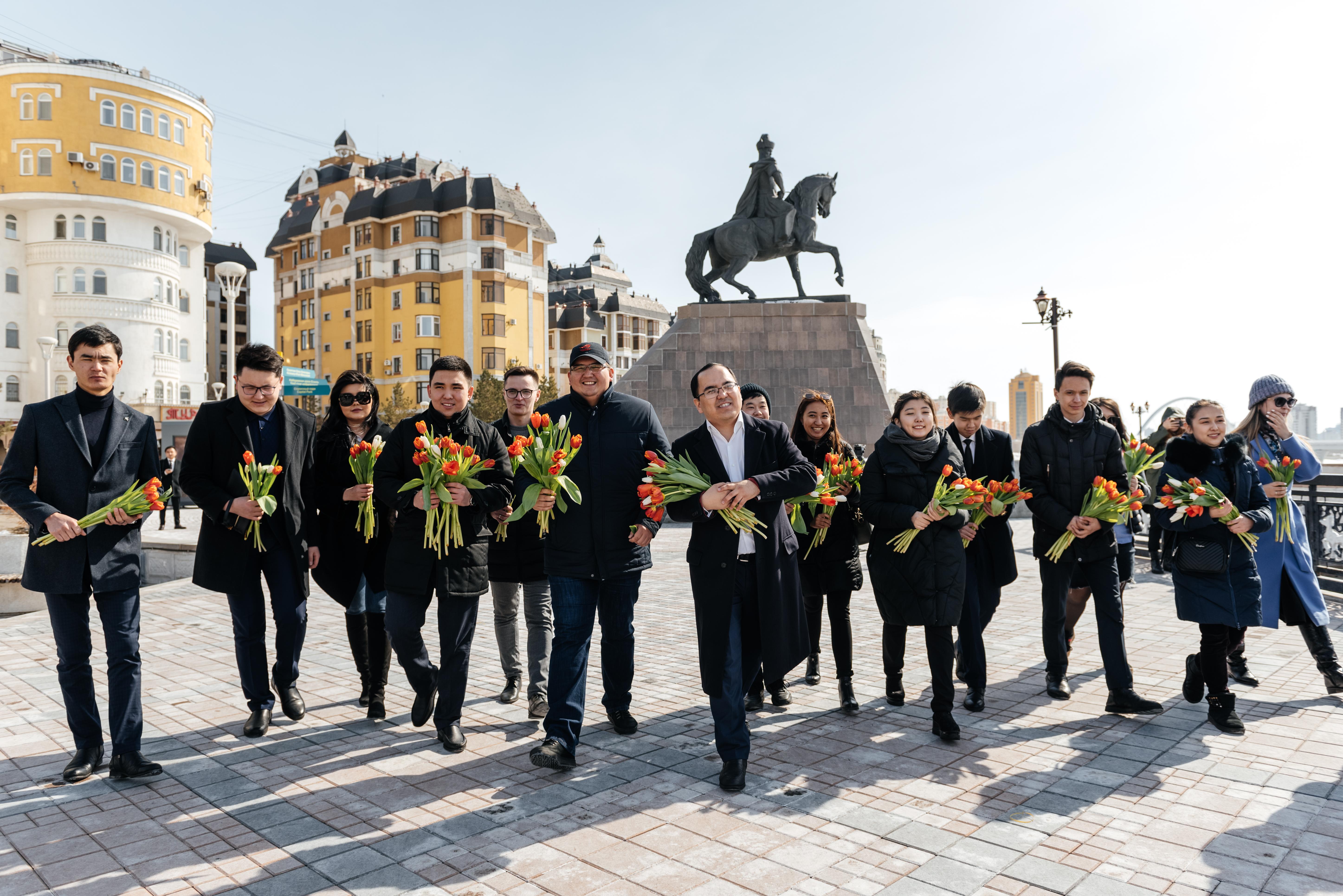 Посвященный Наурызу челлендж «Подари тюльпан!» стартовал в столице Казахстана