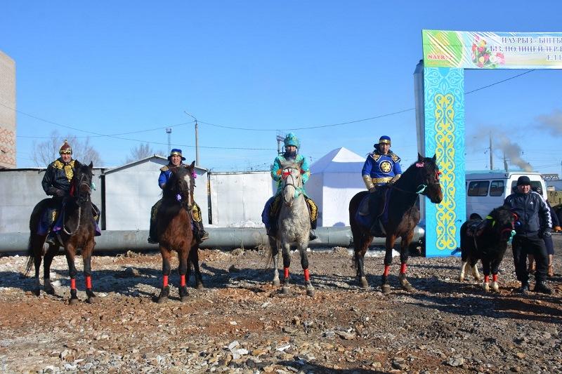 Плов и баурсаки готовили полицейские для жителей Петропавловска