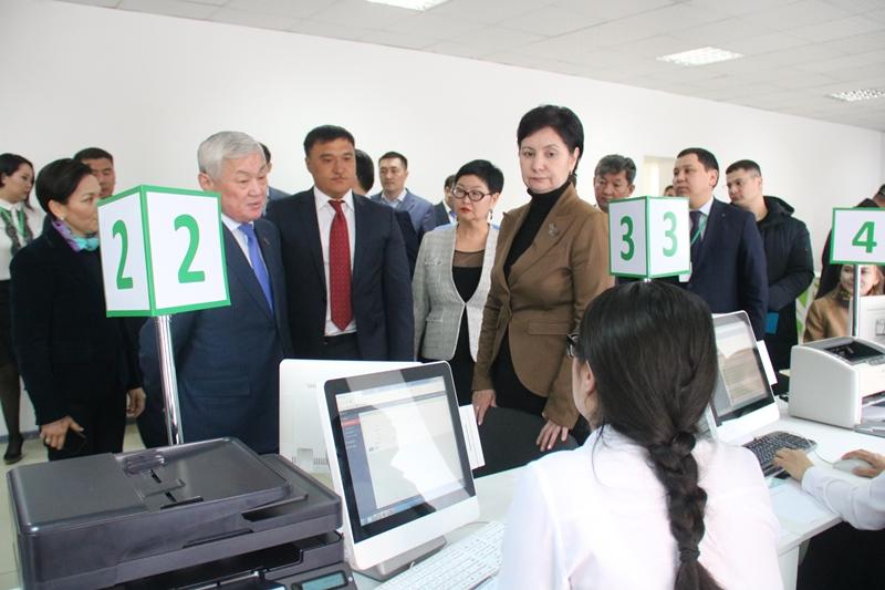 Deputy PM visits Akmola public service centers