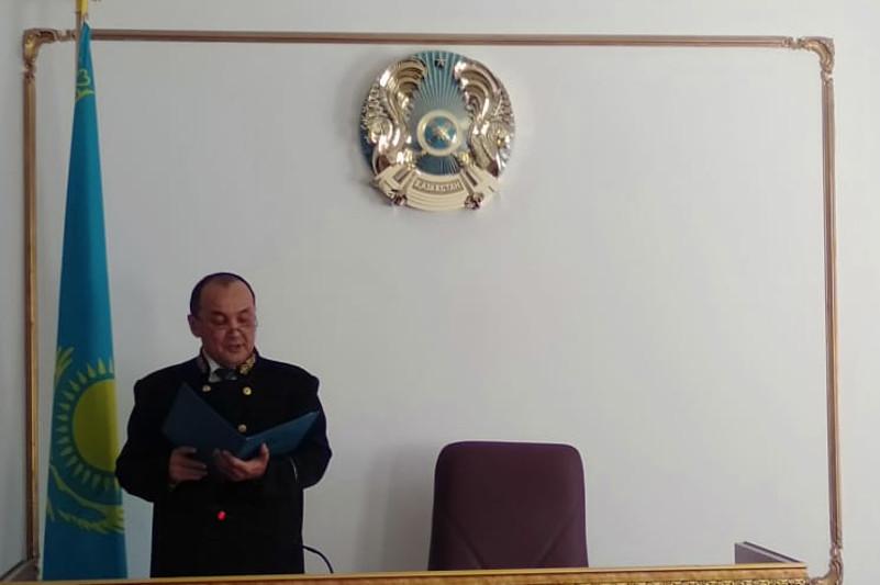 Стрелявшего в актюбинского полицейского россиянина осудили на 8 лет