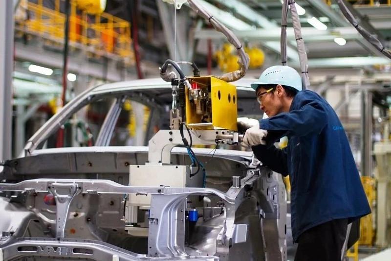 Казахстанский автопром к лету выпустил почти 16 тысяч легковых авто