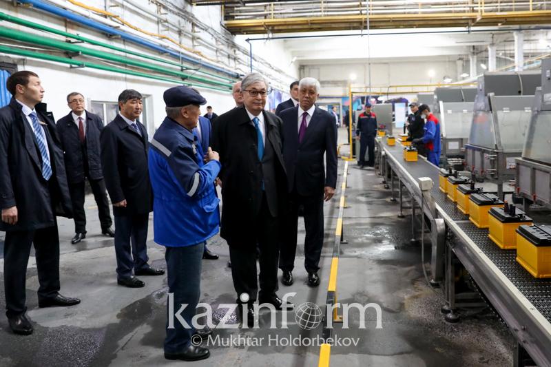 托卡耶夫总统视察阿拉木图州地方政府和工业企业