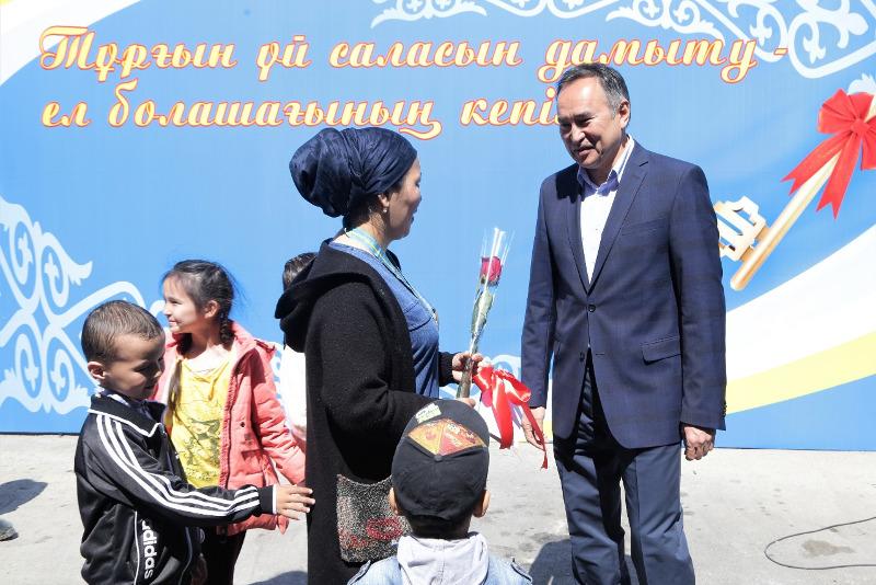 80 таразских семей получили квартиры по госпрограмме «Нұрлы жер»
