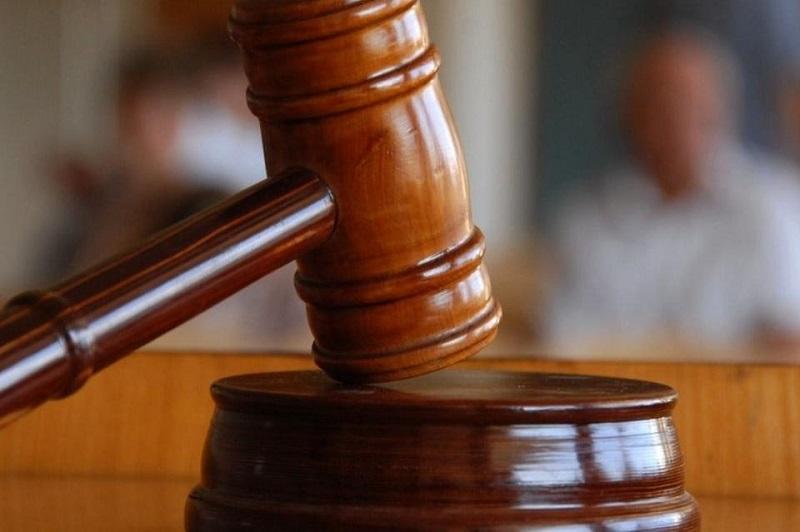 Суд начался в Атырау над подозреваемыми в массовом отравлении рыбы в Урале