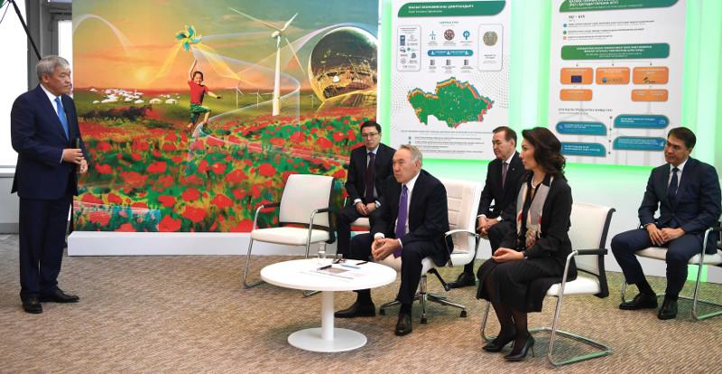 Nursultan Nazarbayev visits Int'l Green Technologies & Investments Center