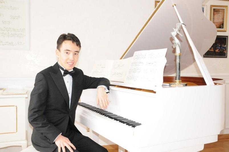 Победитель «100 лиц Казахстана» Рахат-Би Абдысагин: Музыка исцеляет наши мысли