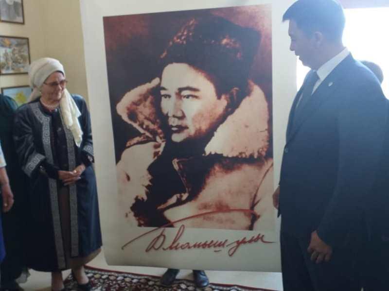 Имя легендарного полководца Бауыржана Момышулы присвоено школе в Актобе