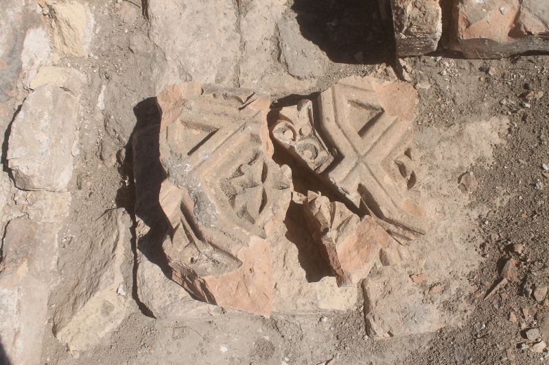 Kazakh archeologists unearth new artifacts at ancient settlement site